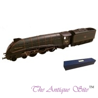 Hornby 00 Locomotive & Tender